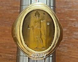 Antique Men's 18k Yellow Gold Carved Relief Persian Ring Sz 8.25 Signed VI
