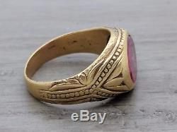 Men's Yellow Gold Vintage Engraved 18K Ruby Ring Size 8.5