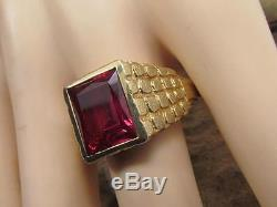 VINTAGE MENS SOLID 10K YELLOW GOLD RED RUBY STONE TEXTURED BAND RING SZ 13 10.4G