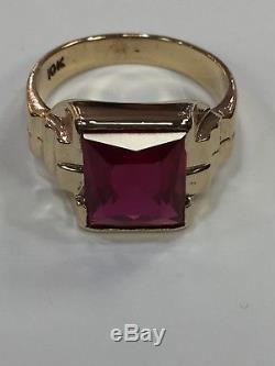 VIntage Mens Red RUBY Ring in SOLID 10KT Yellow GOLD Fluted Sides