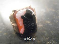 Vintage Hand Carved 10k Solid Gold Intaglio Cameo Of Man And Woman Love Ring