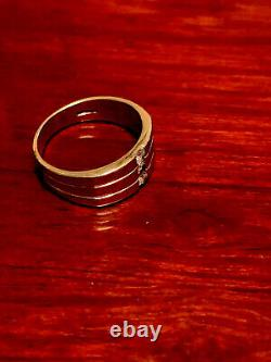 Vintage Men's Gents 9Ct Gold And Three Stone Diamond Ring