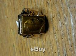 Vintage mens yellow gold tiger eye roman soldier cameo ring. Size 9