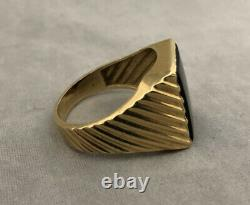 WOW 14K YELLOW GOLD VINTAGE 1980s MENS BLACK ONYX RIBBED RING